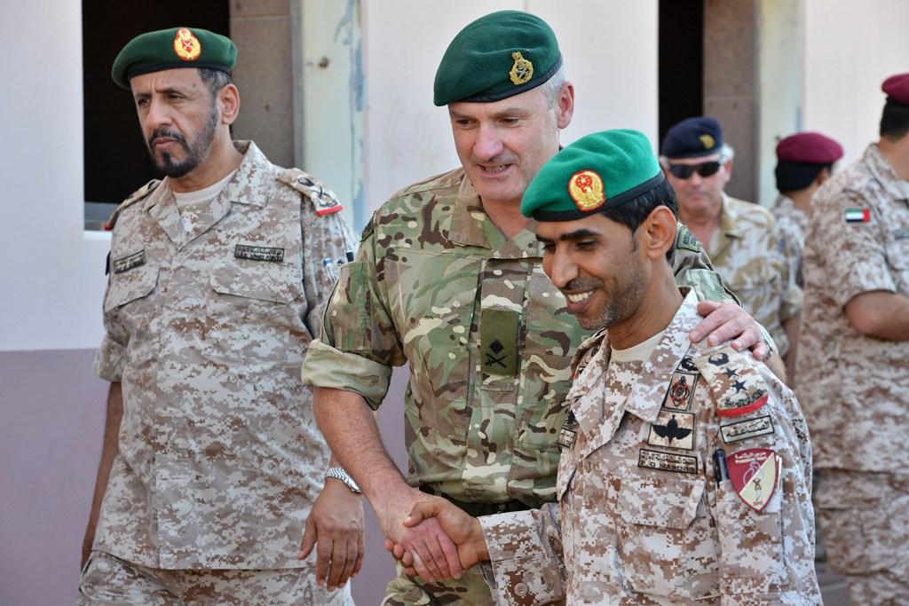 Photo of مئات الأجانب يقاتلون من أجل الإمارات في اليمن فكيف تردعهم المحاكمات الجنائية الدولية؟
