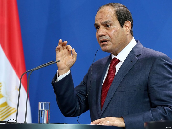 Photo of الرئيس المصري يتهم دولاً إقليمية بنقل الارهاب من سوريا الى مصر