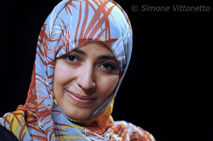 Photo of توكل كرمان تطالب هادي بإنهاء التواجد الاماراتي في اليمن