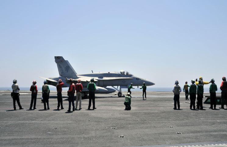 Photo of التايم الامريكية:الامارات تنتهك حظر السلاح بدعم  قوات حفتر بـ6 مقاتلات بليبيا