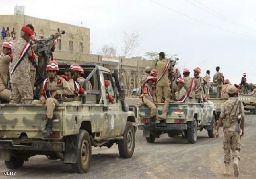 Photo of قوات هادي تؤكد سقوط معسكر العُمري بمديرية ذباب محافظة تعز