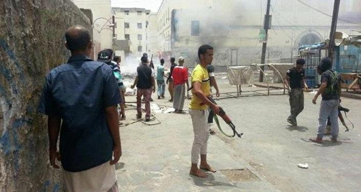 Photo of حرب شوارع في عدن بين فصائل التحالف بسبب السطو على أرضية