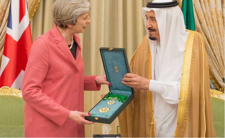 """Photo of رغم اتهامات لها بـ""""حماية السعودية"""".. الحكومة البريطانية ترفض نشر تقرير عن تمويل الرياض للتطرف"""