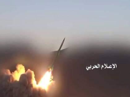 Photo of قوات صنعاء تطلق 4 صواريخ زلزال1 وتكسر زحفين واسعين قبالة نجران