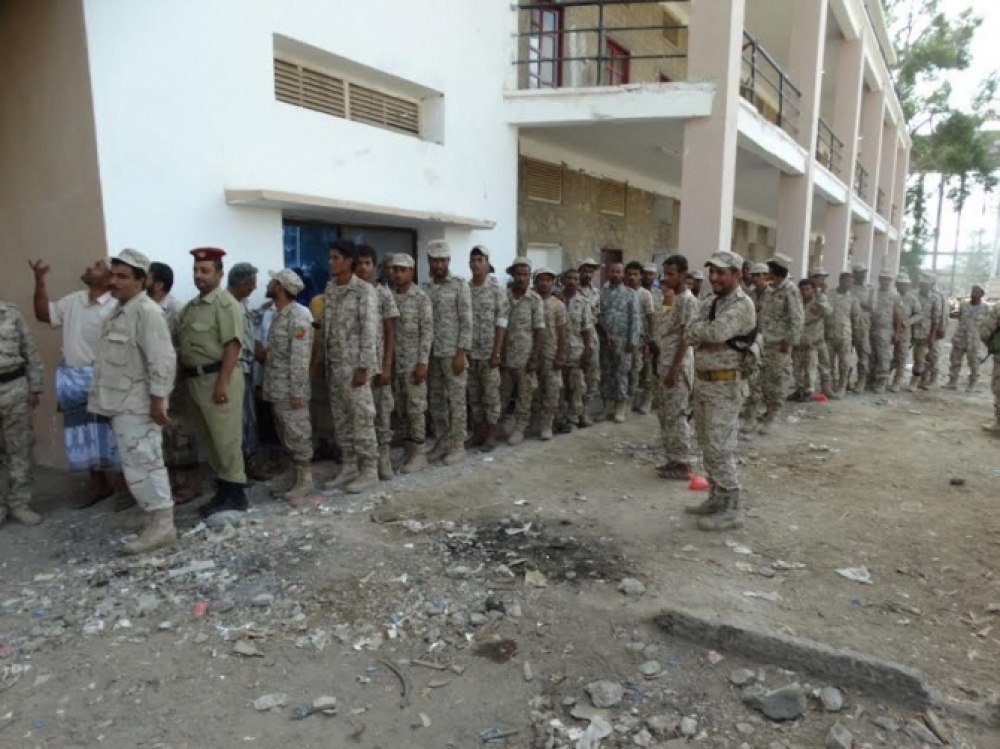 Photo of تصعيد ثوري ضد حكومة بن دغر لعدم صرف المرتبات المتأخرة منذ 6 أشهر