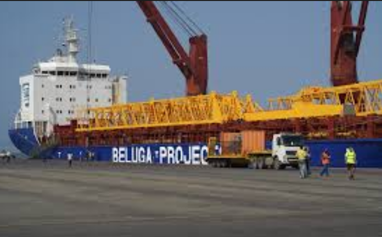 Photo of مصدر: الأمم المتحدة تطالب السفن والبواخر بمغادرة موانئ يمنية فوراً