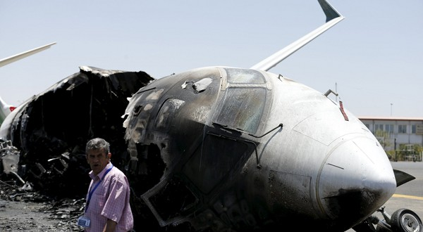 Photo of اليمن: 7 مليار دولار خسائر أولية .. تدمير 15 مطار و14 ميناء خلال 1000 يوم من العدوان