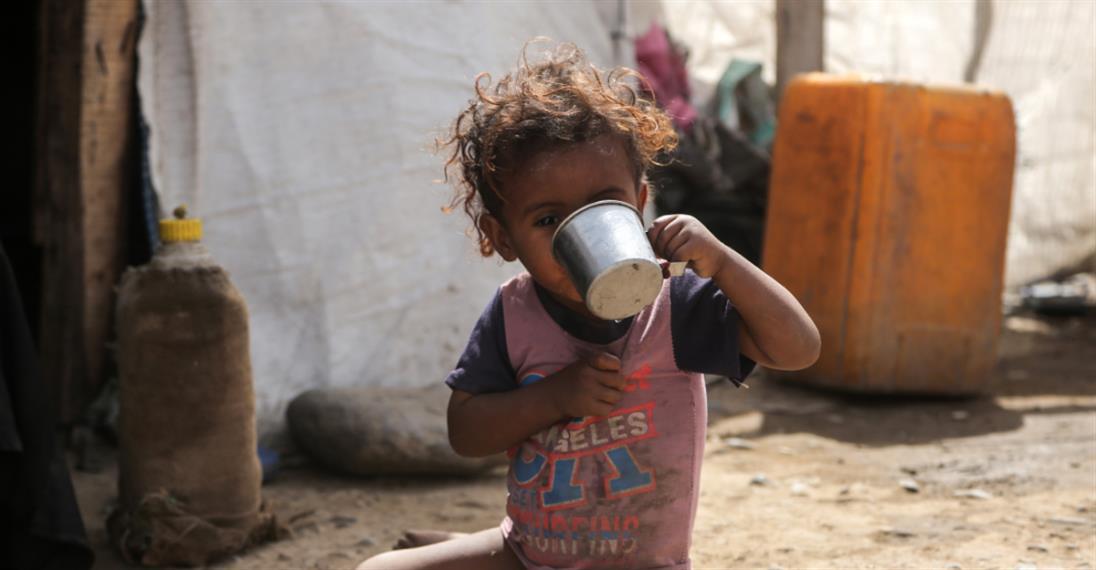 Photo of «ذي إيكونوميست» البريطاني: الرياض وأبوظبي «تلتهمان» اليمن