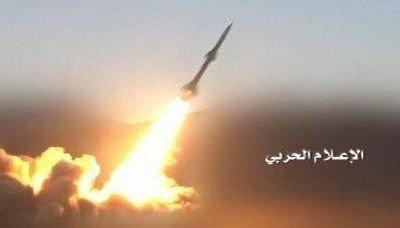 Photo of عاجل : صنعاء تطلق صاروخاً بالستياً على تجمع للقوات الموالية للتحالف في معسكر أم الريش بمأرب