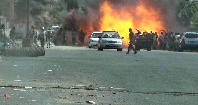 Photo of عدن تشهد الأن مواجهات عنيفة وسط المدينة جنوب البلاد