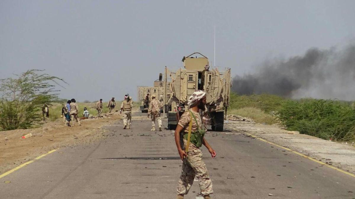 Photo of المخا: مقتل جندي إماراتي وجرح آخرين في اشتباكات مع «أنصار الله»