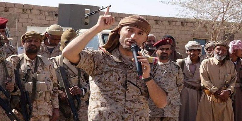هادي يصدر قرارات عسكرية بينها تعيين هاشم الأحمر قائداً للمنطقة العسكرية السادسة