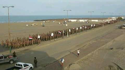 Photo of الصماد يظهر في أكبر عرض عسكري بالساحل الغربي ويتوعد بهزيمة التحالف