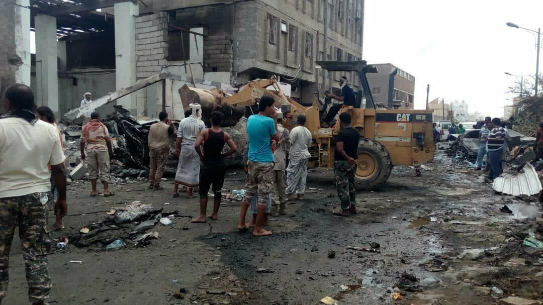 Photo of اليمن: الكشف عن هوية منفّذ الهجوم الانتحاري بعدن