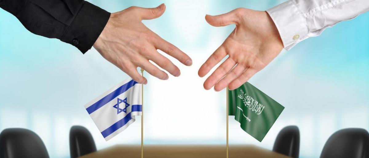 """Photo of كاتب سعودي""""يسعدنا كسعوديين السفر لإسرائيل""""ويدعو لفتح سفارة لها بالرياض"""