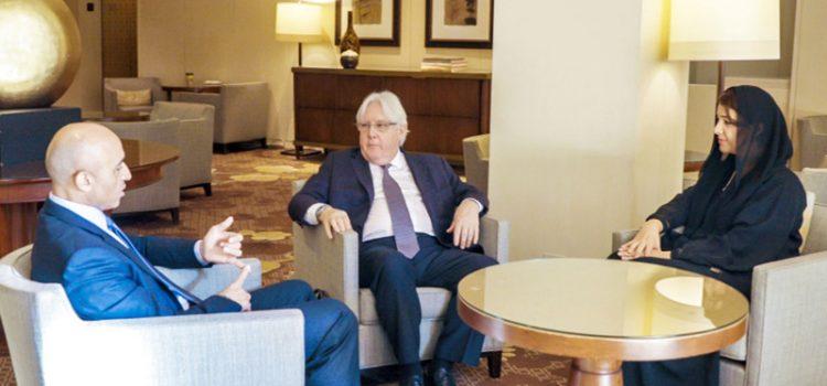 Photo of سفير الإماراتي في واشنطن يناقش مع غريفيث إنهاء حرب اليمن!