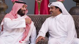 Photo of لماذا غير محمد بن سلمان لهجته وتغزل بالاقتصاد القطري؟