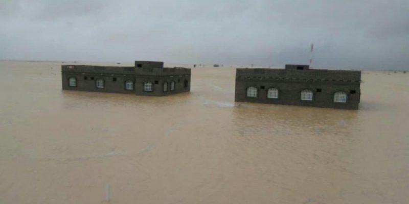 المهرة .. مقتل 3 مواطنيين جراء اعصار لبان