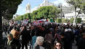 Photo of شاهد..غضب شعبي في تونس ضد زيارة بن سلمان