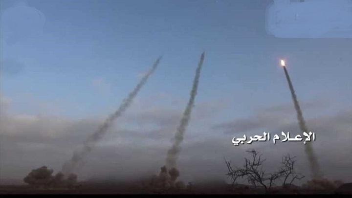 Photo of جيزان| صنعاء تقصف بدفعة من الصواريخ تجمع للجيش السعودي