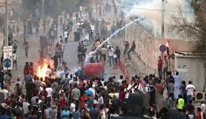 Photo of متظاهرو البصرة يذرفون الدموع ويرفضون الخضوع