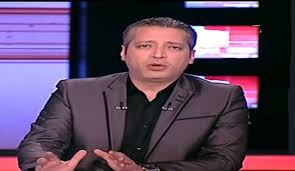 Photo of مذيع مصري يتعرض لموقف محرج على الهواء مباشرةً