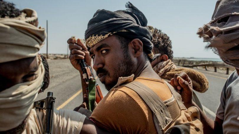 Photo of تعز| جماعة مسلحة تعتدي على سائق دراجة نارية وتنهب دراجته