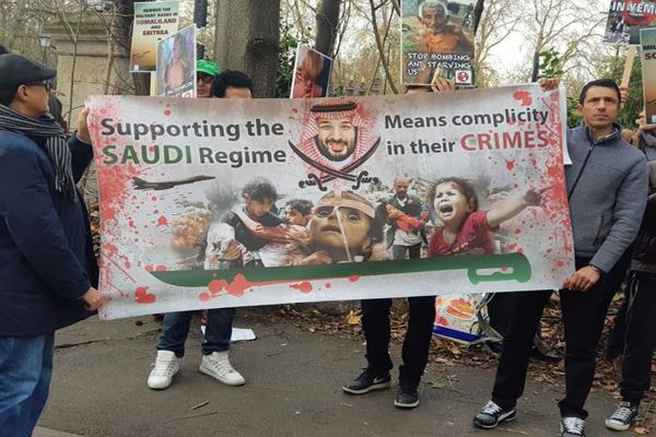 Photo of بريطانيا تكذب بشأن إيقاف صفقات الأسلحة للسعودية