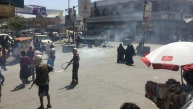 Photo of حرب شوارع وانتشار للقنّاصين تقطع شارع جمال وسط مدينة تعز