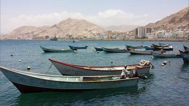 Photo of قوات سعودية تمنع صيادين المهرة من الاصطياد وتتوعد باستهداف قواربهم