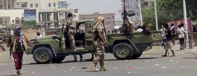 مسلحون مجهولون يهاجمون المليشيات الإماراتية في مدينة عدن