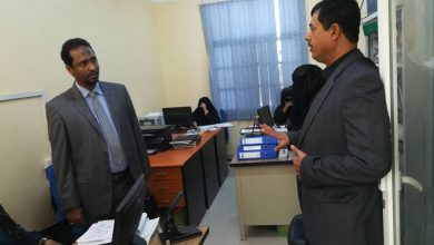 "Photo of فساد ""الشرعية"" يدفع مدير عام كهرباء المهرة لتقديم استقالته (وثيقة)"