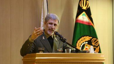 Photo of وزير الدفاع الإيراني يعلّق حول تفجير الناقلات النفطية في بحر عُمان