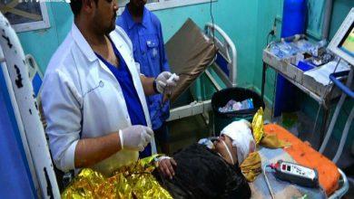 Photo of إصابة طفلة بجروح خطيرة جراء قصف سعودي على منزل عائلتها (صور)