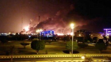 Photo of رويترز: أسعار النفط ارتفعت نحو 20% بعد هجمات قوات صنعاء على منشآت سعودية