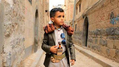 Photo of شاهد  الطفل اليمني بائع الماء الذي اكتسح مواقع التواصل الإجتماعي في الوطن العربي