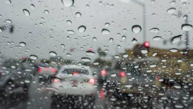 Photo of الإرصاد ينصح المواطنين بضرورة الإبتعاد عن مجارى السيول (النشرة الجوية)