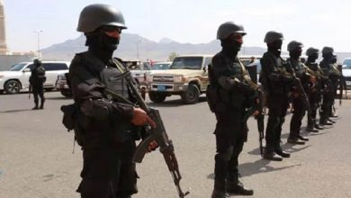 Photo of الأجهزة الأمنية تقبض على متسللين إلى العاصمة قادمين من مأرب