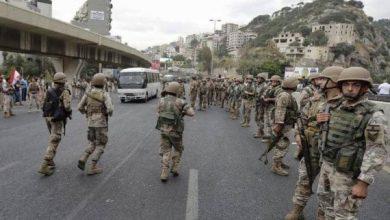 Photo of لبنان.. إصابات في صفوف الجيش إثر الاحتجاجات ودعوة للحفاظ على السلم