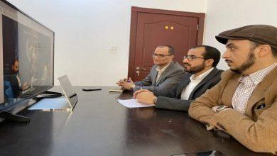Photo of وفد صنعاء للمشاورات يناقش مع غريفثت الوضع الإنساني والسياسي في اليمن