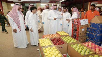 Photo of بسبب القيمة المضافة.. السعوديون يهرعون الى المحال التجارية لشراء السلع وتخزينها